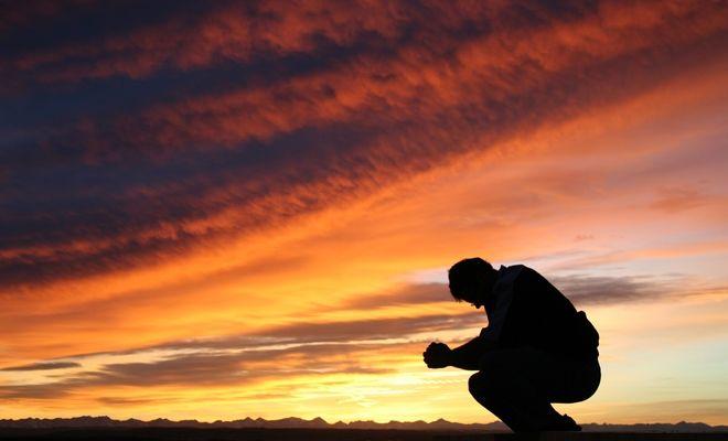 134060130-pray-time_0.jpg-itok=SNxTCsyt.cf